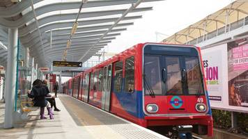 four-day rail strike on london's dlr suspended