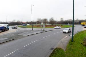 delays on a180 after car crashes into lamppost