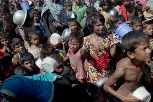 Myanmar Resettlement Minister Says Rohingya Refugee Camps Suffer 'Very Poor' Conditions