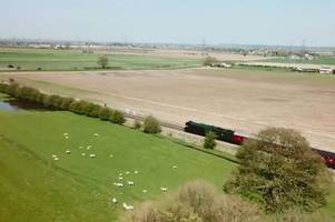 amazing drone footage shows the flying scotsman from the sky in lincolnshire - scaring the sheep on the way