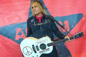 the alarm's mike peters begins marathon effort to play four shows in the uk and us within 24 hours