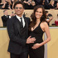 john stamos reveals wife caitlin 'breezed through 20 minute' labour