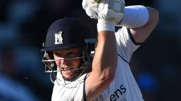 county championship: warwickshire take command with ambrose and brookes stand