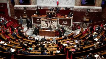france approves controversial immigration bill