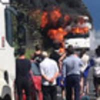 kiwis escape burning  bus at gallipoli
