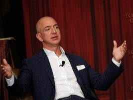 healthcare experts are skeptical about amazon, jpmorgan, and berkshire hathaway's new venture