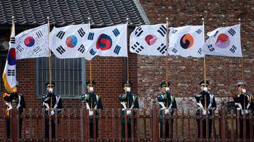 rolling out a welcome for kim jong-un