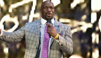 titus o'neil trips and totally eats it in wwe 'greatest royal rumble' match entrance fail (video)