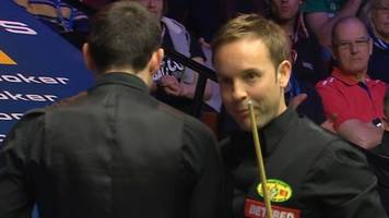 ronnie o'sullivan & ali carter appear to collide at snooker world championship