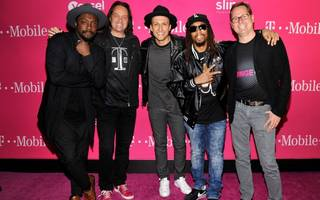 t-mobile and sprint agree to mega-merger deal