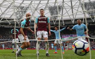 moyes demands one more win after man city rout hammers