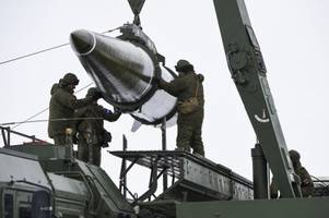 9 photos of russian troops setting up and test firing the iskander-m short-range ballistic missile