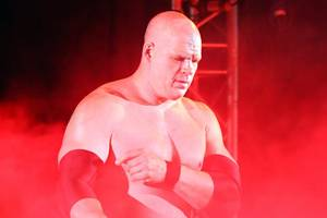 wwe wrestler kane wins republican mayoral primary in knoxville