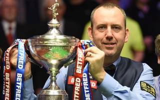 mark williams holds nerve to seal his third world title