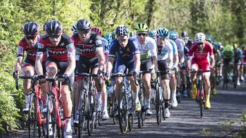 vuelta a espana: yorkshire cycling chiefs in talks to host start of event