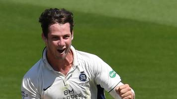 Hilton Cartwright: Middlesex all-rounder extends stay with county