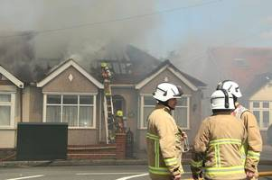 hero woman 'banged on doors' to alert waltham abbey residents to fire that took hold of three houses