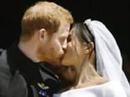 Harry and Meghan's 'Hollywood Kiss' signalled SHE was able to lead day, says body language expert