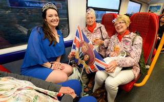 Royal Wedding travel: Rail queues are going down, not up