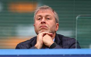 abramovich in visa limbo as uk stalls in accepting renewal application