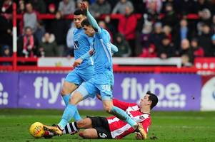 What colour will Exeter City wear against Coventry City in the League Two play-off final?
