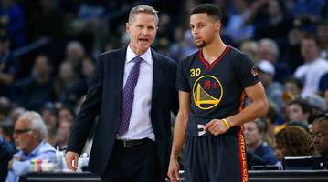 steve kerr on stephen curry: 'if you shimmy when you're 1-11, that's confidence'