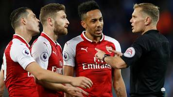 arsenal fined over penalty protests against leicester