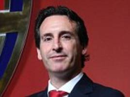 arsenal boss unai emery lays on the charm on emirates debut