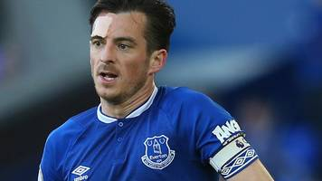 everton defender baines 'wants to stay' at goodison park