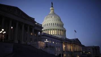 congress passes bill to repeal some banking regulations