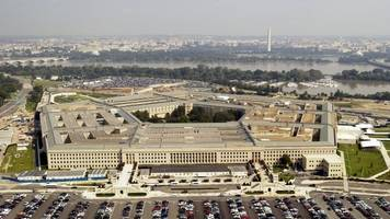 department of defense won't ban mobile devices in the pentagon