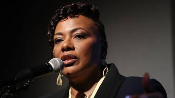 martin luther king's daughter rubbishes bannon claim about trump