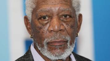 morgan freeman apologises after sex harassment claims