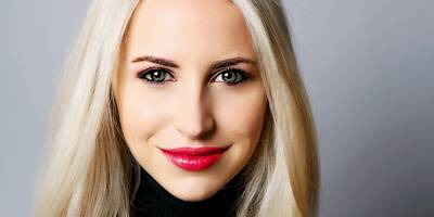 how a 28-year-old went from running poker games and waitressing on roller skates to running her own 'insurtech' startup