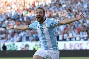 maurizio sarri to target juventus striker gonzalo higuain reunion after being confirmed chelsea boss