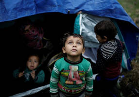 kurds attacked in greek camp, accused of not fasting on ramadan
