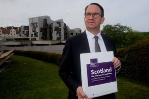 snp's growth commission chairman lays out report's plans on currency and immigration under independence