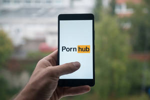 ongoing verge issues spell problems for pornhub partnership