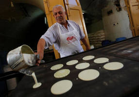 ramadan brings better business to hebron's old city market