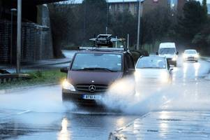 flood warning for hull as 'intense' thunderstorms set to hit city