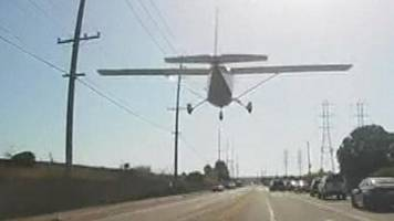plane makes emergency landing on busy los angeles road