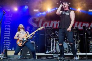slam dunk 2018 review: good charlotte and jimmy eat world star at hatfield house