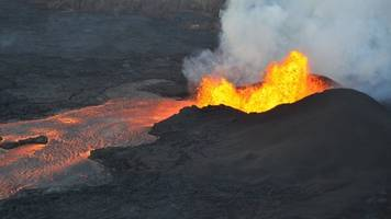 why are the kilauea and fuego volcano eruptions so different?