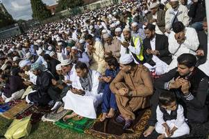 when does ramadan 2018 end in the uk and when is eid al-fitr?