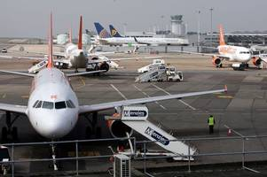 plane forced to make emergency landing at bristol airport due to a cracked windscreen