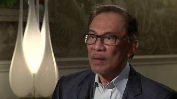 malaysia's anwar ibrahim on mahathir: 'we have to move on'