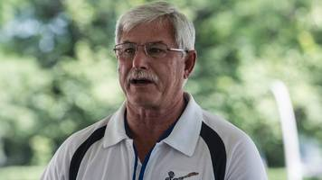 sir richard hadlee: new zealand legend diagnosed with bowel cancer