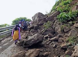 Massive landslides in Western Ghats affect Road and Rail traffic between Bengaluru & Mangaluru