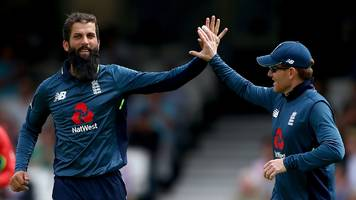 England v Australia: Moeen Ali & Eoin Morgan impress as hosts edge win