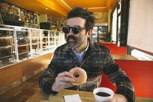Eels Tackle Ageing In New 'Rusty Pipes' Video